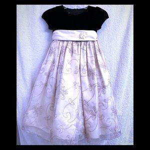 Cinderella Black Velvet/Cream Dress Girl 4T